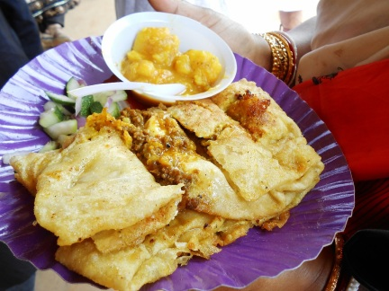 Mughlai Paratha with Potato Curry